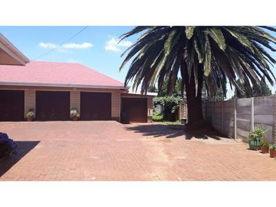 Property For Sale in Eveleigh, Boksburg