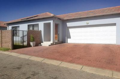 Property For Rent in Parkrand, Boksburg
